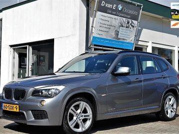 BMW X1 sDrive20i M- Sport 184pk Geheel M- pakket af fabriek | Trekhaak