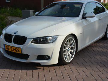 BMW 325I Coupe E92 Nederlandse auto NAP M-Pakket